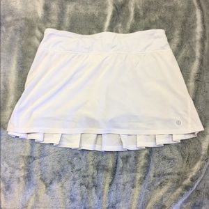 LULULEMON WHITE pleated skirt
